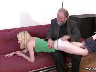 Порно со зрелой училкой